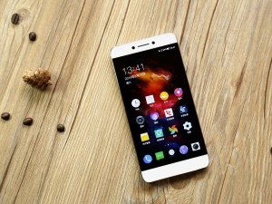Смартфон Coolpad Cool 10